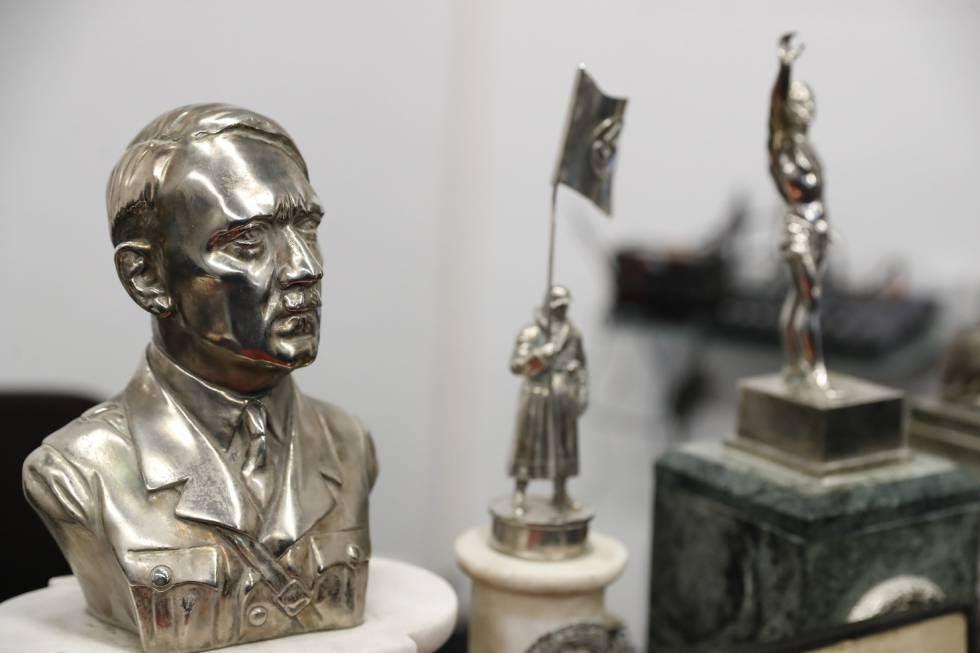 Algunas de las piezas nazis recuperadas por la Policía Federal Argentina.