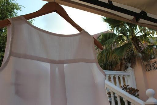 Cómo hacer y coser una blusa blanca básica