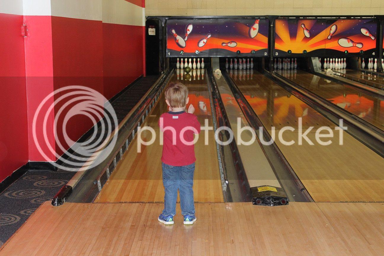 photo bowling8_zpsxxx1yab7.jpg