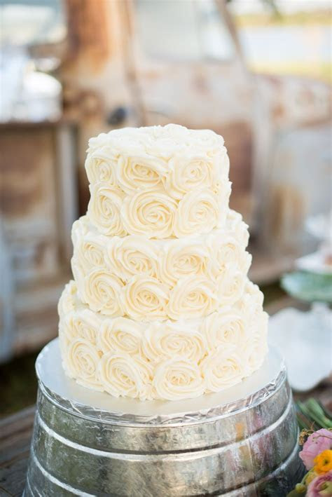 1000  images about wedding cakes on Pinterest   Red velvet