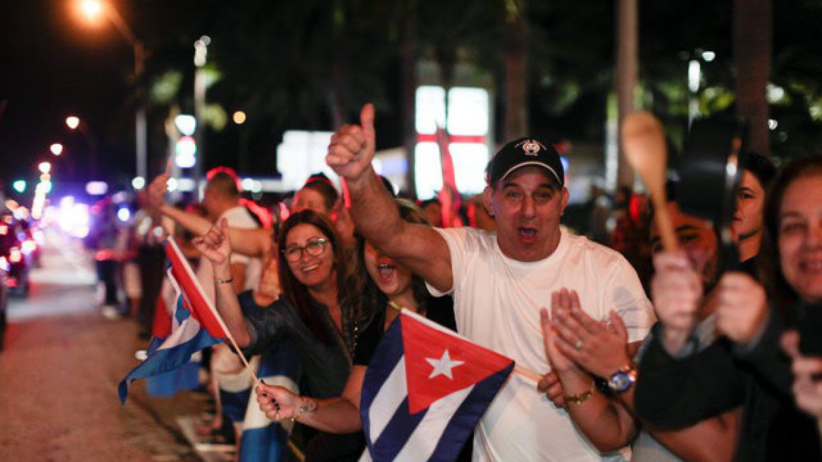 Cuba declara nueve días de luto nacional; hay grandes celebraciones en Miami