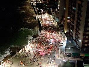 Protesto Fora Temer chega à orla da Barra, em Salvador (Foto: German Maldonado/TV Bahia)