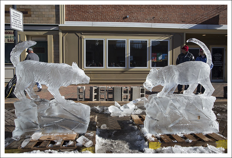Ice Carving in St Charles 2013-01-26 10