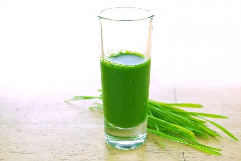 """5 Super Healthy """"Shots"""" That Will Alkalize You In the Morning"""