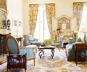 The Jewel Box Home Decorating A Smaller Home The Traditional Look Done Right