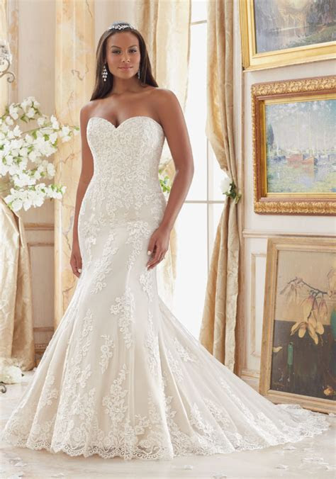 Lace Appliques on Tulle Plus Size Wedding Dress   Style