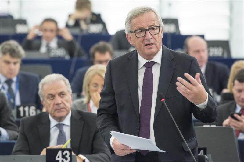 <p>Jean-Claude Juncker, presidente de la Comisión Europea, durante un debate plenario en el Parlamento el pasado mes de octubre.</p>