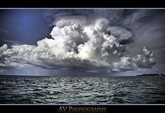 Yo y mi Camara en medio del Mar.. y la tormenta!!!!!
