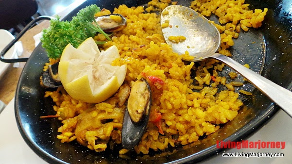 Traditonal Paella, Photo by LivingMarjorney on Flickr
