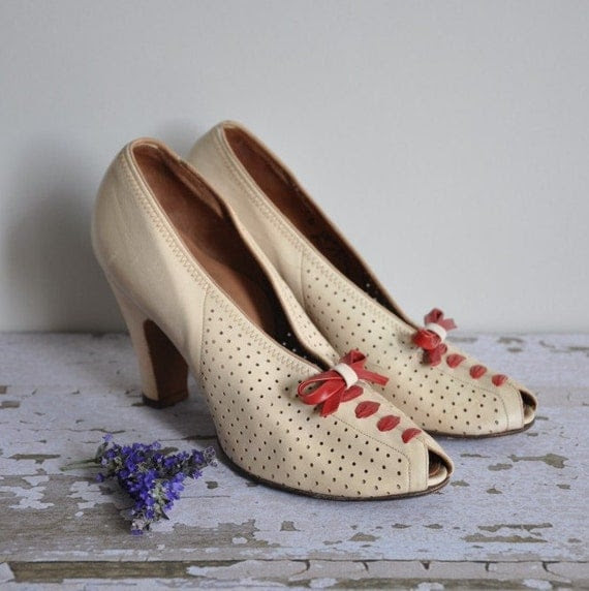 vintage 1940s Janet Lee peep toe bandage heel pumps
