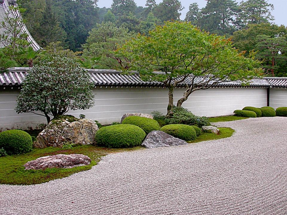 Nanzen ji Garden by John Weiss