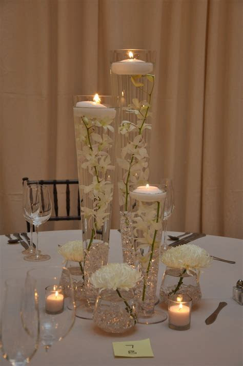 Love these simple & elegant flowers. #wedding   Only