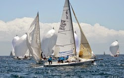 J/80 sailboat rounding mark