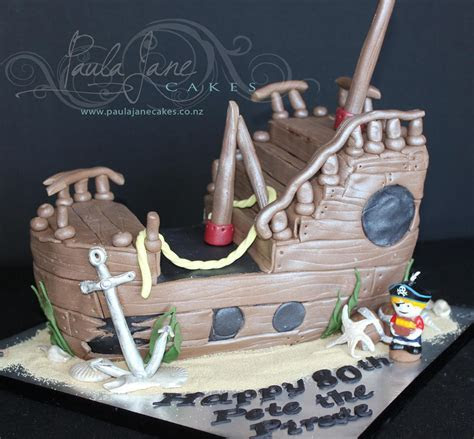 Novelty Cakes   Create a Jaw Dropping Novelty Cake for