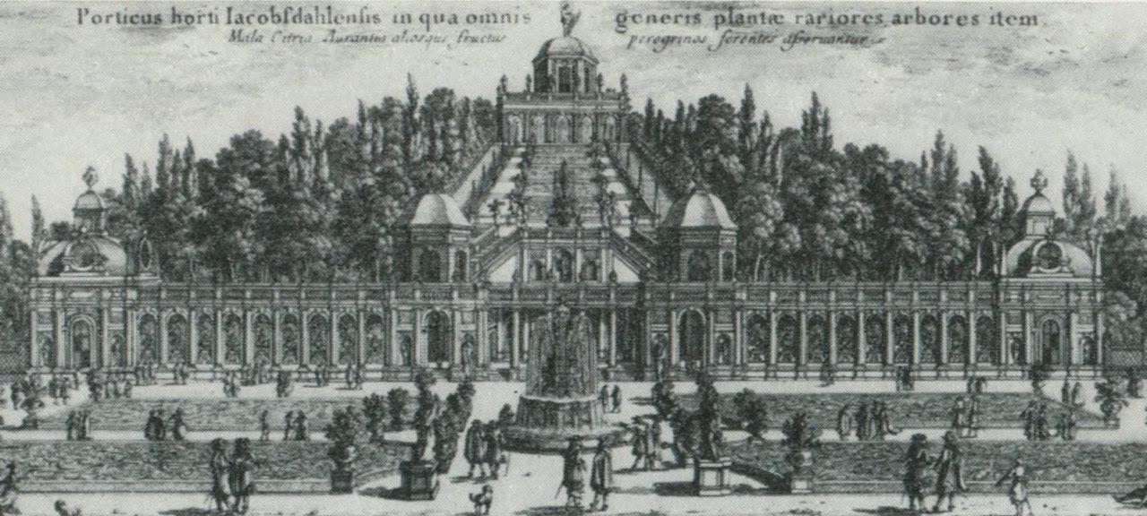 """Vänster: Första orangeriet nedanför """"Mons Mariae"""", kopparstick av Adam Perelle i Suecia antiqua et hodierna. Höger: Orangeriet med resterna av """"Mons Mariae"""" i januari 2008."""