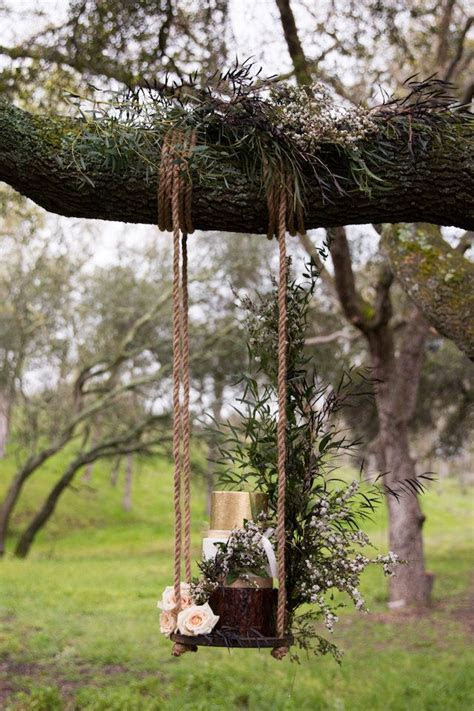 17 Best ideas about Suspended Wedding Cake on Pinterest