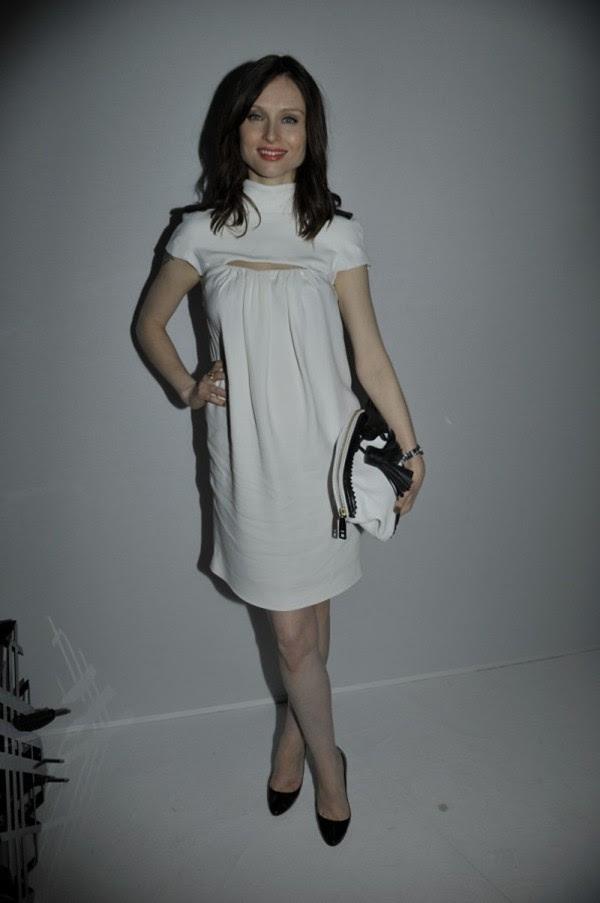 7i - Sophie Ellis-Bexter wearing Burberry at the Burberry Paris event