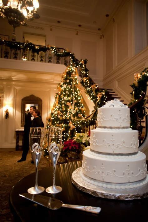 Best 25  Christmas wedding ideas on Pinterest