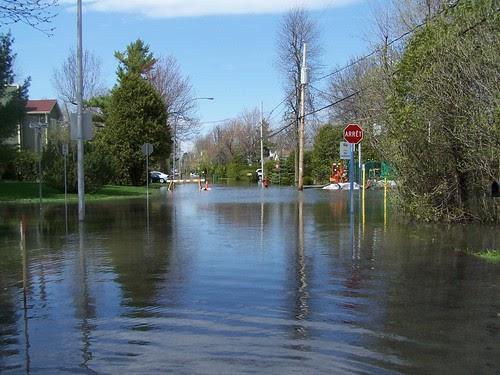 Bleu vanille inondations en mont r gie comment aider for Club piscine st jean richelieu