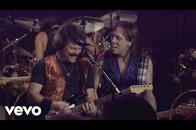 The Doobie Brothers - Long Train Runnin' (Live)