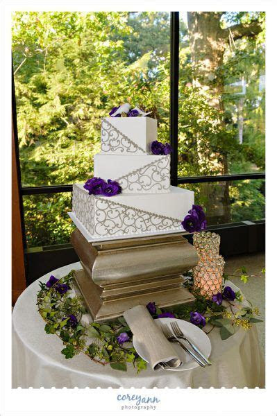 17 Best ideas about Square Wedding Cakes on Pinterest