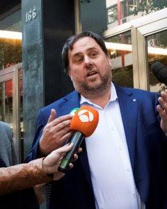 El exvicepresidente del Govern, Oriol Junqueras, cesado por el Gobierno tras la puesta en marcha del artículo 155 de la Constitución, tras la reunión de la Ejecutiva de ERC, en Barcelona. EFE/ Marta Pérez