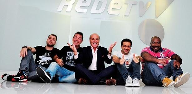 """Marcelo de Carvalho com o quarteto do programa """"Encrenca"""", na sede da RedeTV!"""