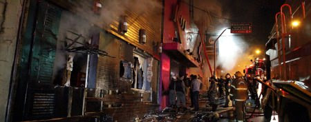 Brazil nightclub fire kills hundreds (AP Photo)