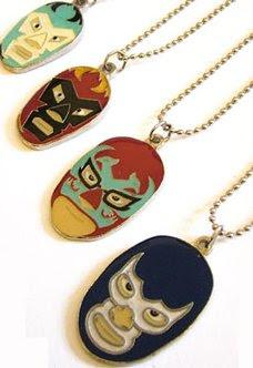 metalic necklace