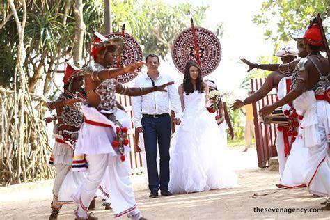 Traditional style wedding in Sri Lanka   Sri Lankan wedding