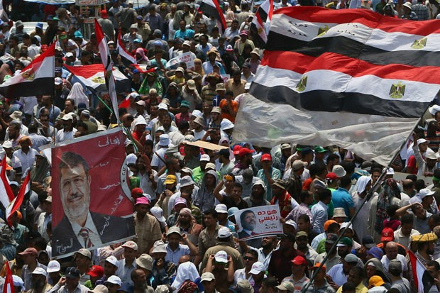 Egyptian supporters of the Muslim Brotherhood rally in favor of Mohammed Morsi