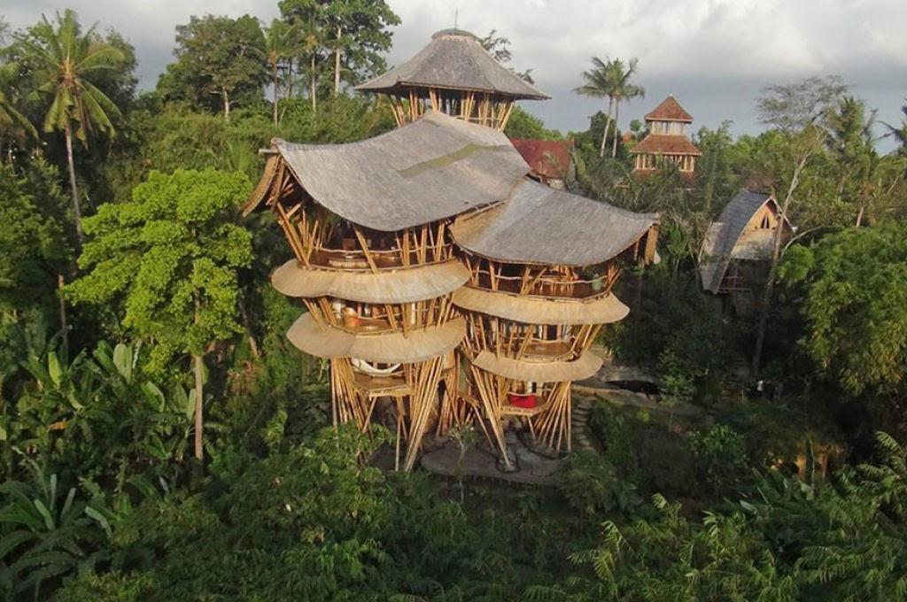 Deixou uma carreira bem sucedida para construir casas sustentáveis de bambú em Bali 10