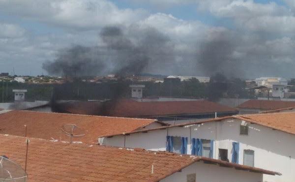 Princípio de motim aconteceu no Pereirão (Foto: Cardoso Silva)