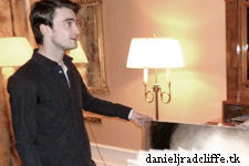 Dan receives portrait from artist in Russia