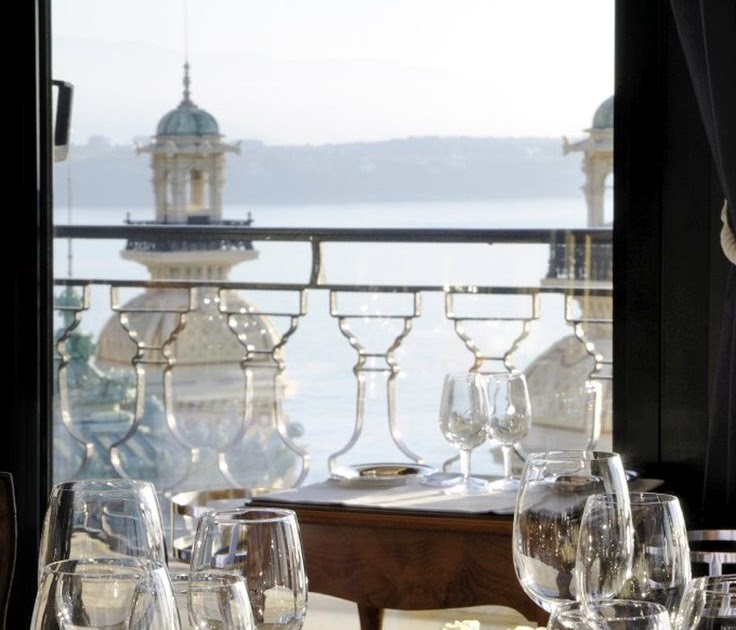 nature that everyone loves monaco le grill dinner with a view. Black Bedroom Furniture Sets. Home Design Ideas