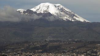 El Chimborazo li disputa el rècord a l'Everest (Reuters)