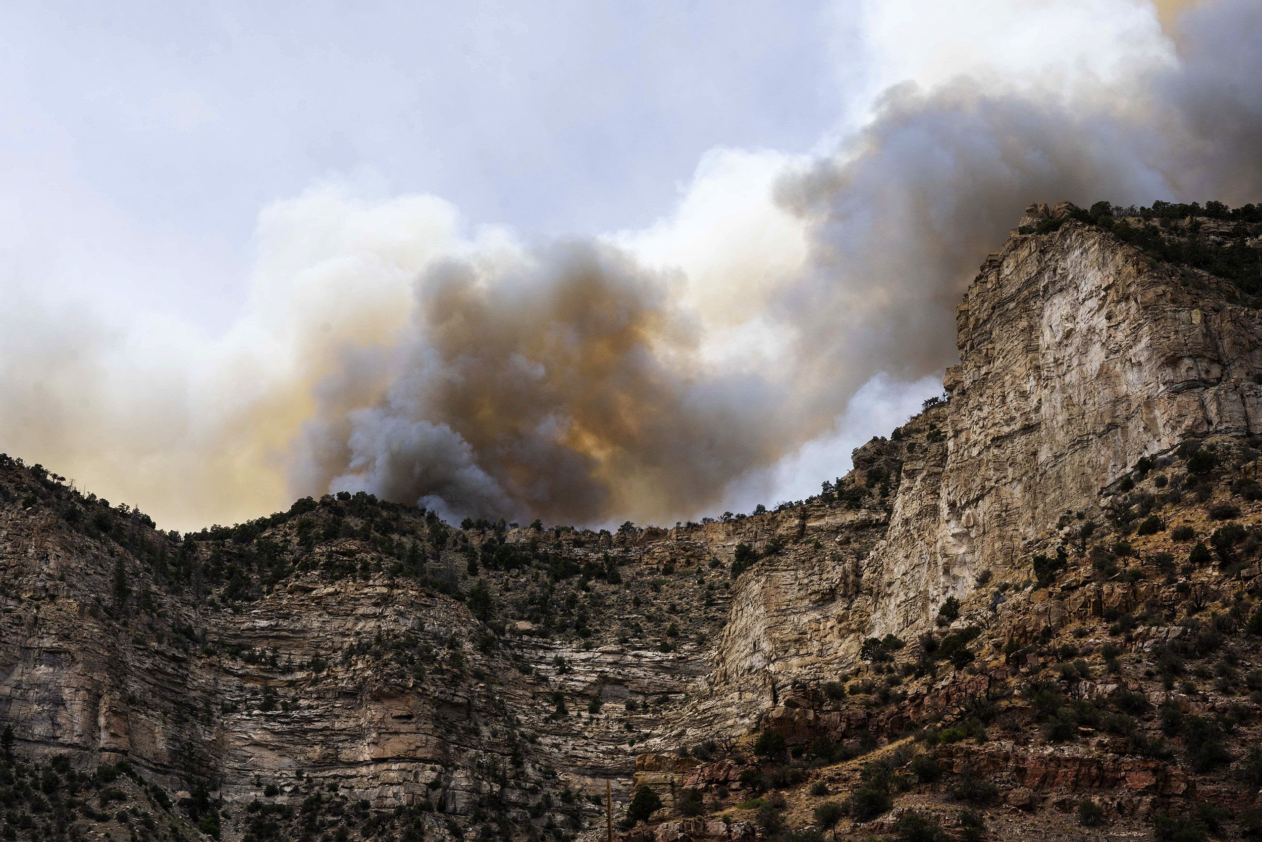 East Canyon Fire now 90% contained as Bear Fire keeps US 6 closed