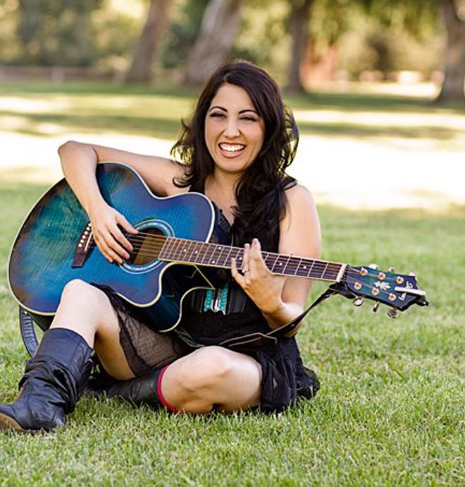 California Artist Dina Valenz