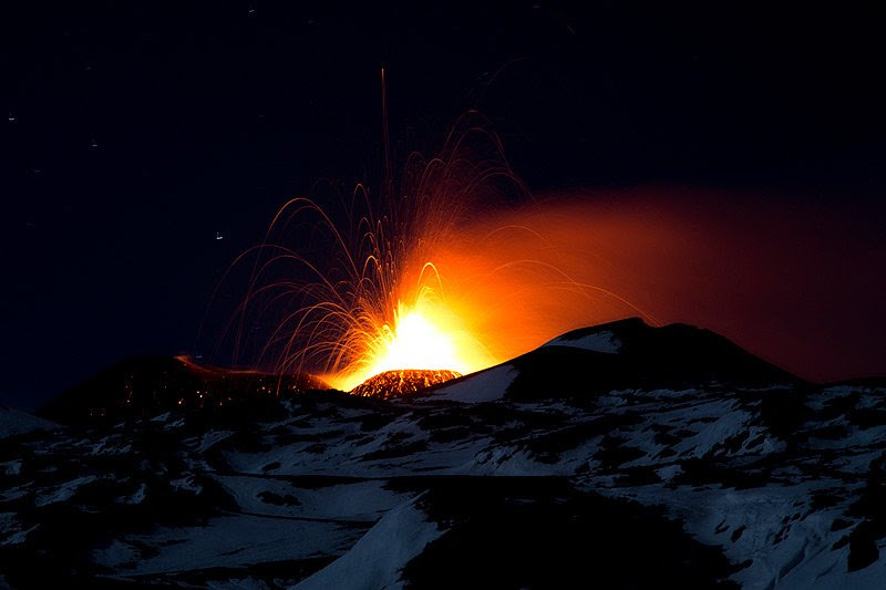 http://images.volcanodiscovery.com/uploads/pics/IMG_3878.jpg