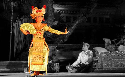 gamelan dancer