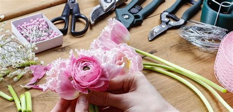 Guide to Floral Design Tools and Accessories   Tesselaar