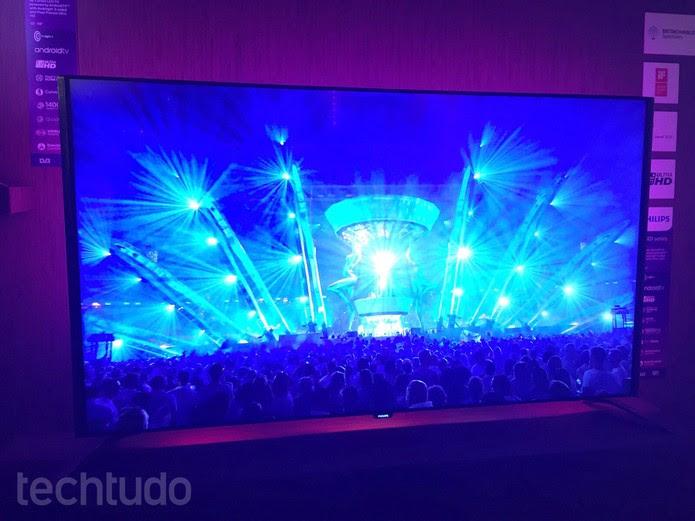 Novo modelo da Philips investe na melhoria de áudio (Foto: Laura Martins/TechTudo)
