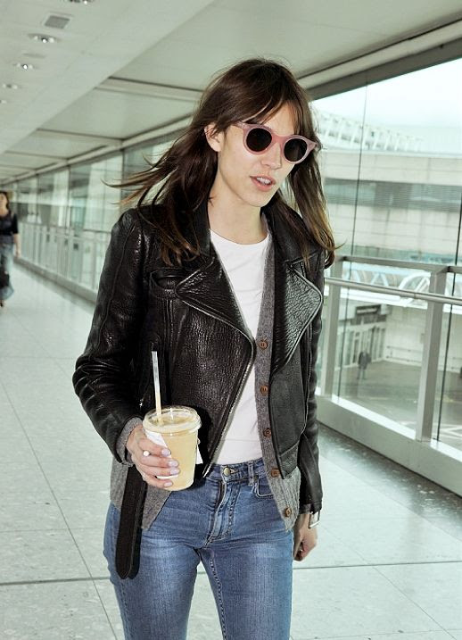 n LE FASHION BLOG ALEXA CHUNG AIRPORT LOOK PINK SUNGLASSES 1 photo nLEFASHIONBLOGALEXACHUNGAIRPORTLOOKPINKSUNGLASSES1.jpg