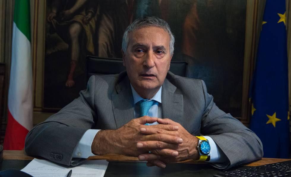 El Fiscal Jefe de la Dirección Nacional Antimafia de Italia, Franco Roberti.