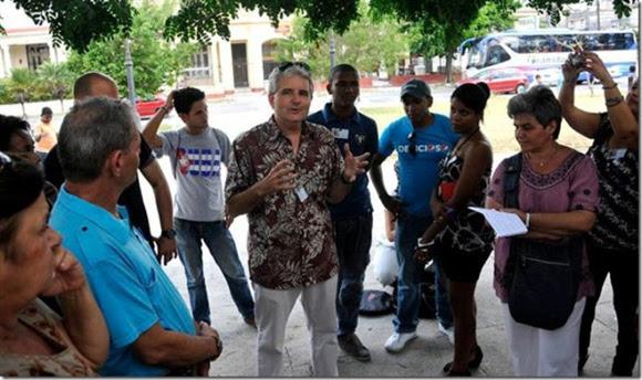 Conrad Tribble en el encuentro de tuiteros y blogueros cubanos.