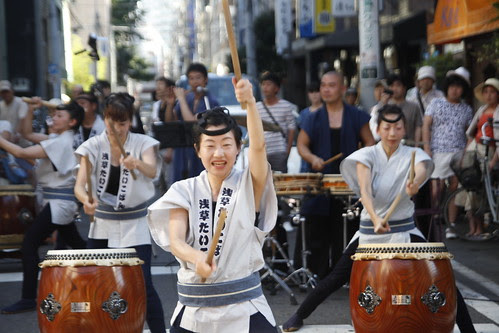 Taiko performance at Kappabashi 3