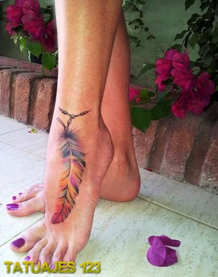 Pluma A Todo Color En El Pie Tatuajes 123