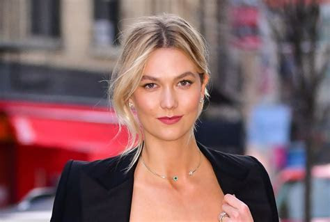 Karlie Kloss' top beauty trick involves a spoon