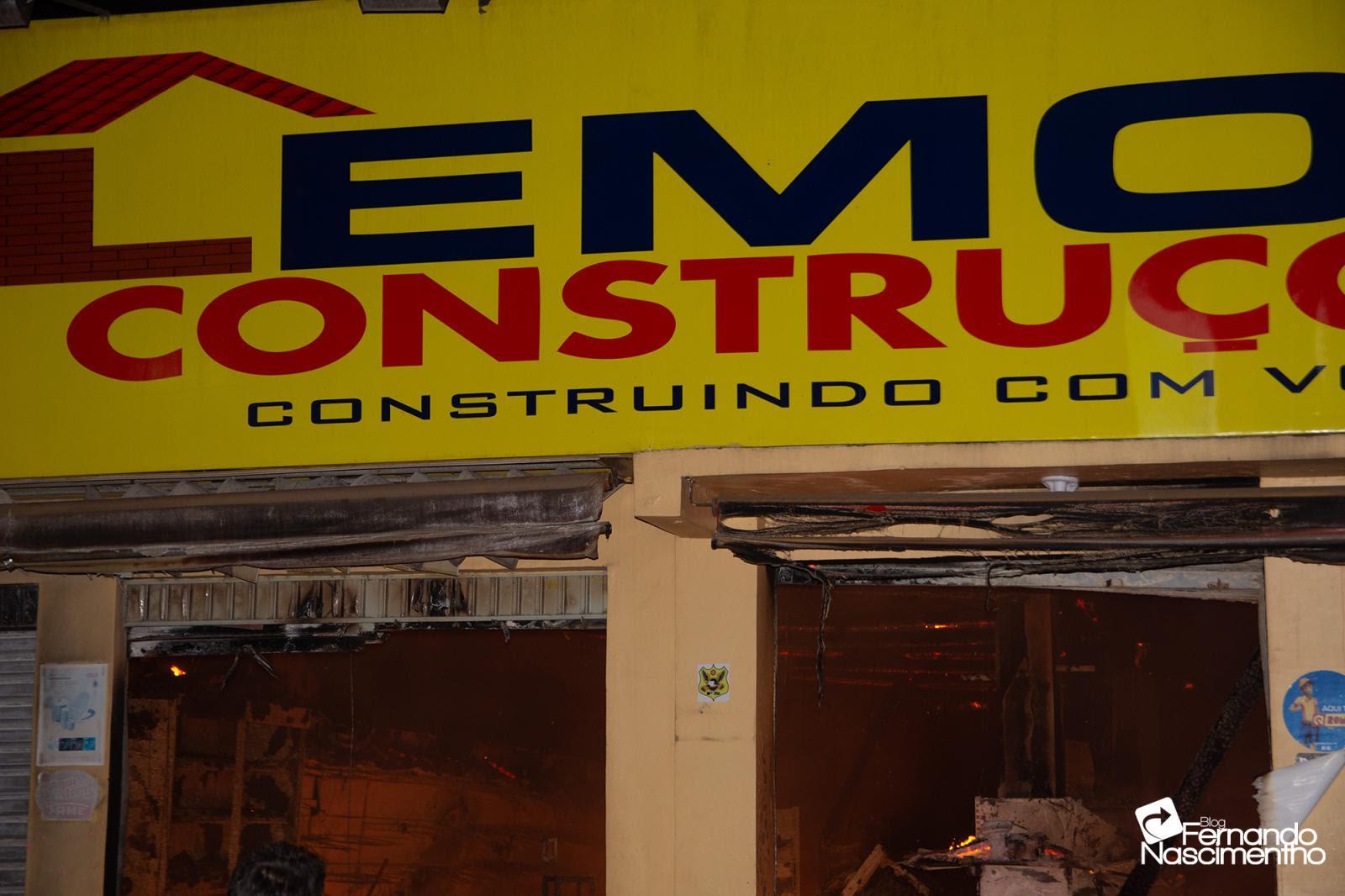 Fogo consome Lemos Construções