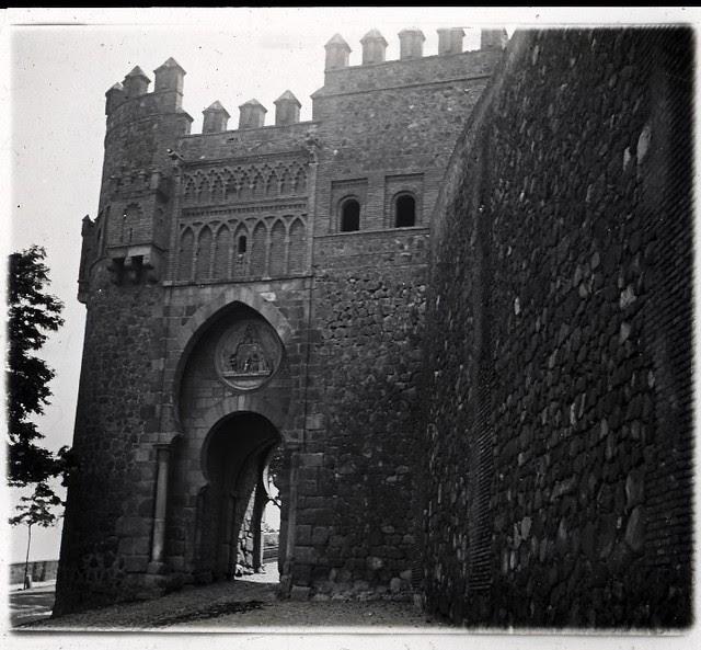 Puerta del Sol en los años 20. Fotografía de Ángel del Campo Cerdán